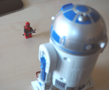 Deadpool David VS R2D2 Goliath